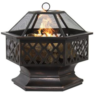 A Fire Pit With a Screen