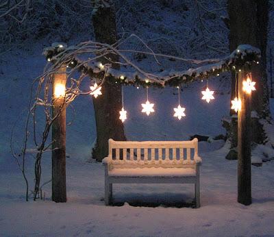 Creative Winter Garden Lighting. Source: Whimsical Woodland