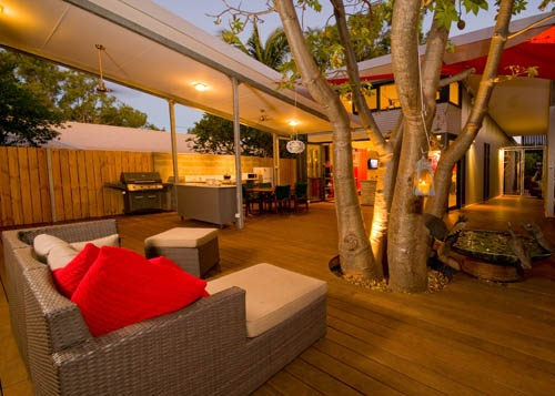 Deck Around Tree in Gorgeous Outdoor Room Source: Pinterest
