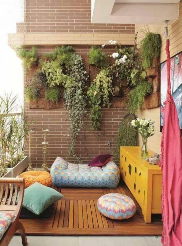 Vertical Garden in Balcony Nook Source: FreshDesignPedia