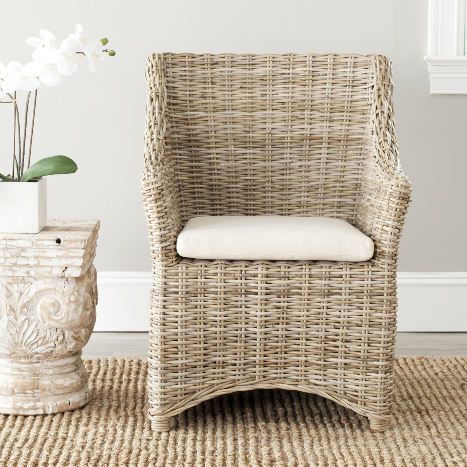 Natural Wicker vs Plastic Wicker Patio Furniture Information