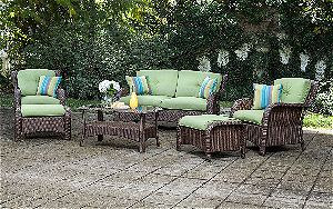 La-Z-Boy Outdoor Sawyer 6 Piece Resin Wicker Patio Furniture Conversation Set