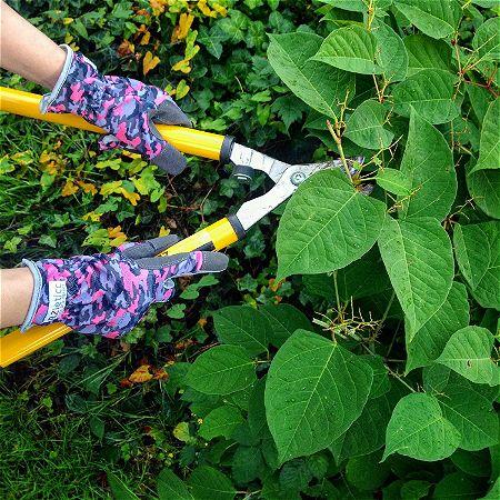 RZleticc Touchscreen-Friendly Gardening Gloves