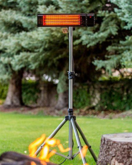 Muskoka Lifestyle Products 1500 Watt Infrared heater on Stand