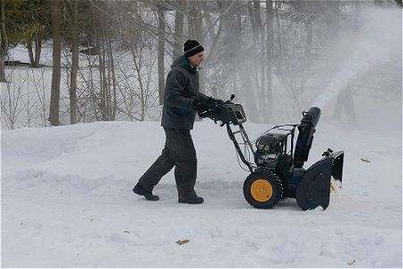 Poulan PRO PR240 - 24-Inch 179cc Two Stage Snowthrower