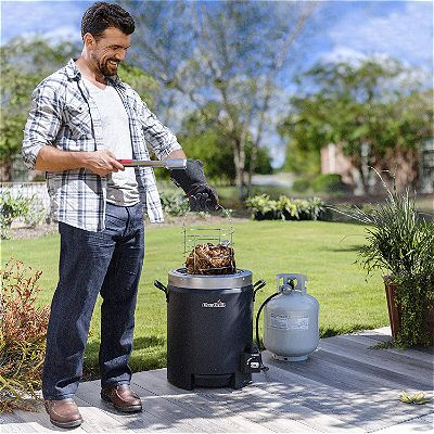 Cooking Away with the Char-Broil Big Easy Oil-less Liquid Propane Turkey Fryer