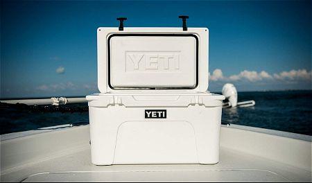 Yeti Tundra 45 Cooler in White